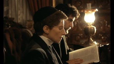 Barbra Streisand in YENTL