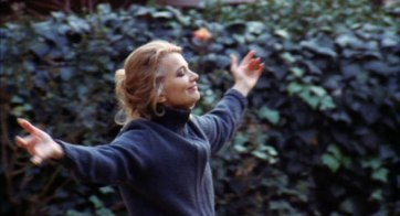 Gena Rowlands in A WOMAN UNDER THE INFLUENCE